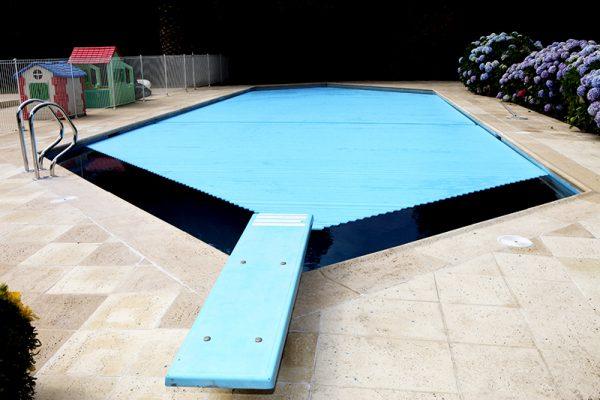 PVC opaco azul – Cobertura irregular